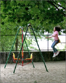 Girl in swing_solrac111