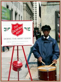Salvation army kettle_by pheezy (2)