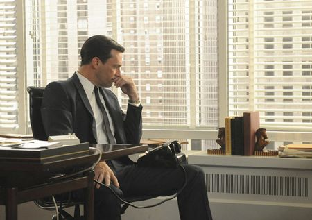 Pensive Don Draper_AMC episode-13