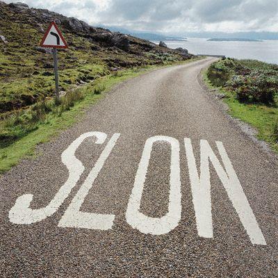Slow_highway warning