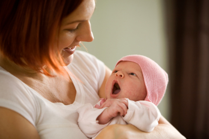 Mother-newborn-baby-molka-iStock
