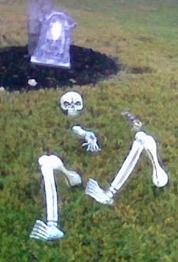 Skeleton in yard 2011-a