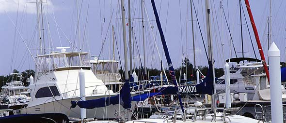 Yachts anchored at Grand Cayman_Cayman Islands Tourism