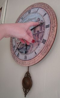 Clock time change by vmiramontes via Flickr creative commmons