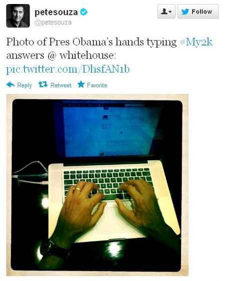 Obamas typing hands during 120312 twitter fiscal cliff chat