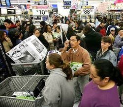 Black-Friday-2009-Walmart-shoppers_Wikimedia Commons