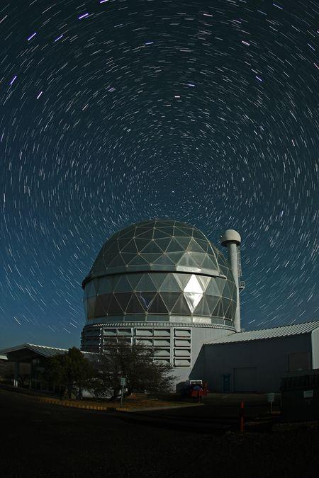 HET_StarTrails_McDonald Observatory