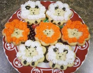 Lion and lamb cookies via Almost Unschoolers blog