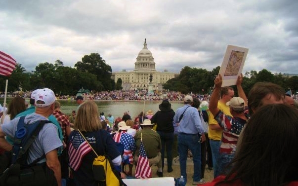 Tea Party protesters gather in Washington DC September 2009