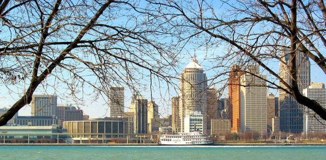 Detroit viewed from Windsor, Ontario, Canada, by Andrea_44 via Flickr CC