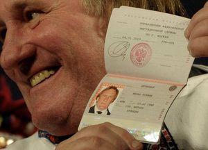 Gerard Depardieu with Russian passport via TASS_4240930-pic3-700x467-65529
