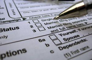 Tax filing status 1040 form closeup2