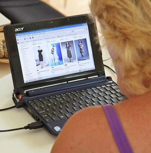 Online shopping by Keith Williamson via Flickr Creative Commons