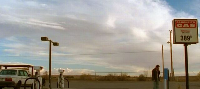 Breaking_Bad_Felina_finale_AMC-TV_Walt-buys-gas-back-in-New-Mexico