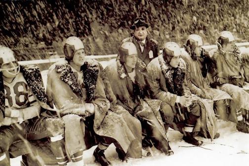 Nfl-snow-football-blizzard_sad-hill-news