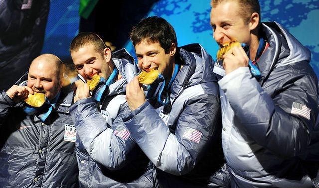 USA-1_4-man_bobsled_team_with_gold_medals_2010_Winter_Olympics_2010-02-27