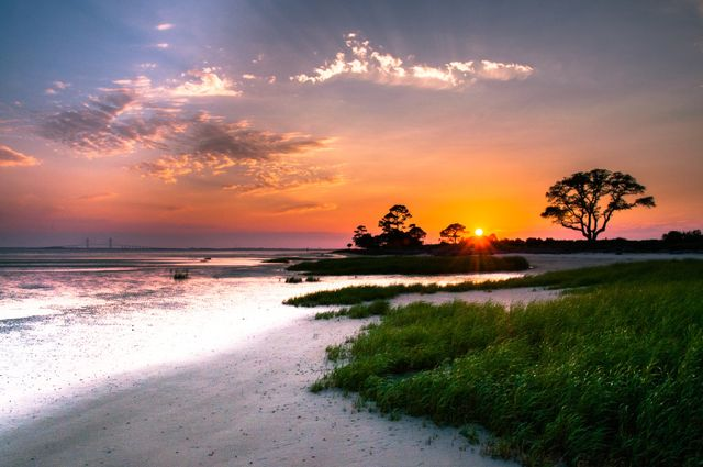 Sunset-on-St-Simons-Island_via_SSISUP-Paddleboard