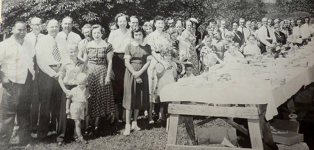 Miller Family reunion 1951_shared by Hilary Kanupp Perez via Flickr CC