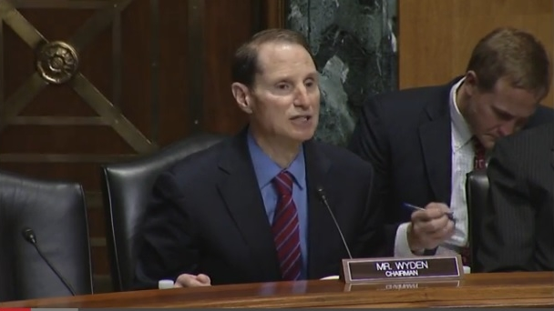 SFC Chairman Ron Wyden opens hearing on educational tax break simplification 062414