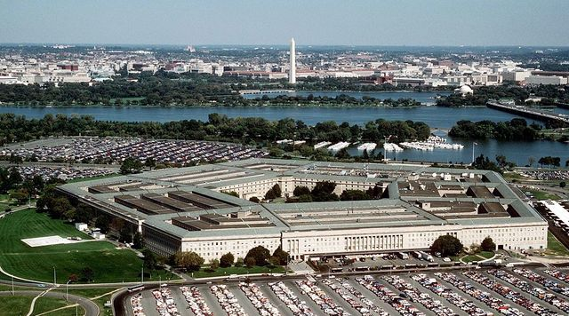 The_Pentagon_US_Department_of_Defense_building_Ken-Hammond-Wikimedia