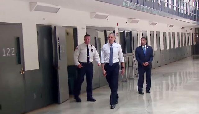 President Obama visits El Reno federal prison in Oklahoma