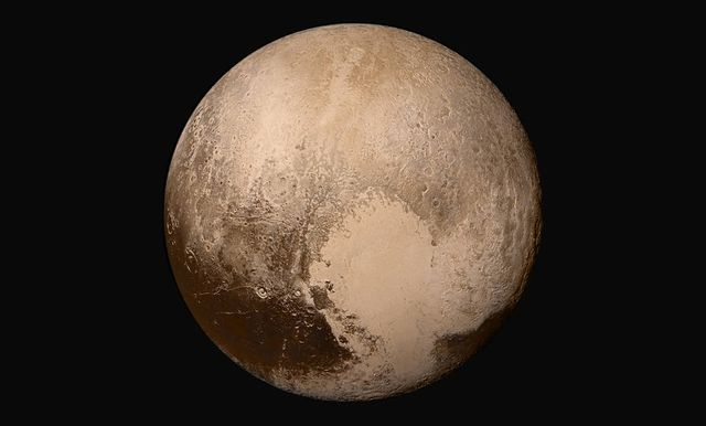 Global-mosaic-of-pluto-in-true-color-new-horizons-NASA