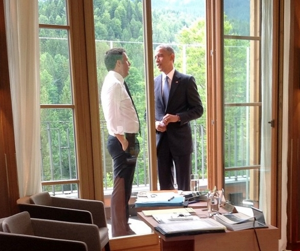 Obama at G7 Bavaria June 2015_cigarette pack in his hand via nomfup Instagram