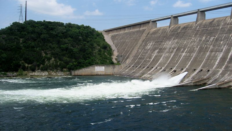 Mansfield Dam floodgate opens to release water from Lake Travis April 26 2016