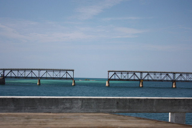 Gap in the old Florida Keys bridge by Ewen Robert via Flickr CC