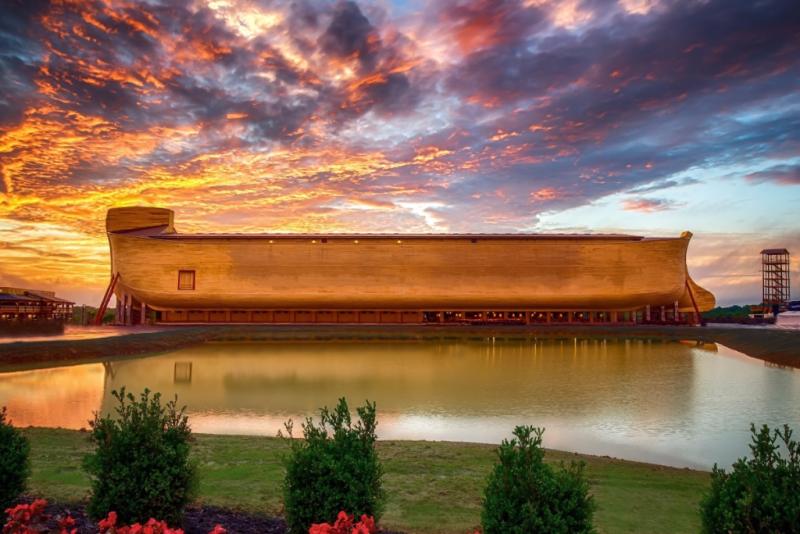 Sun sets on ark at Ark Encounter park in Kentucky_Ark Encounter image
