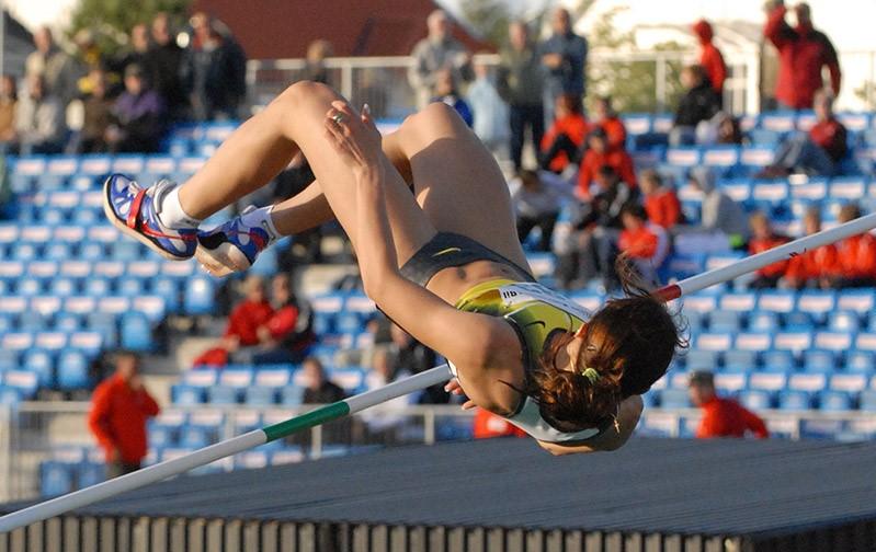 Yelena_Slesarenko_high-jump-2007_photo-by-Bjarteh_Wikimedia-Commons