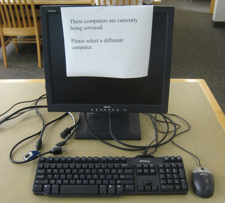 Computer out of service sign