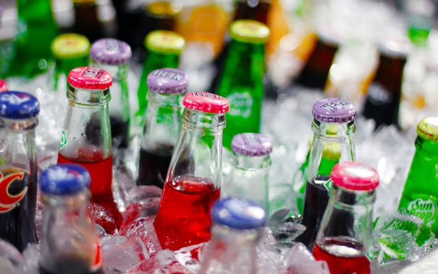 Sodas colas soft drinks in ice_FreeCodeSource wallpaper
