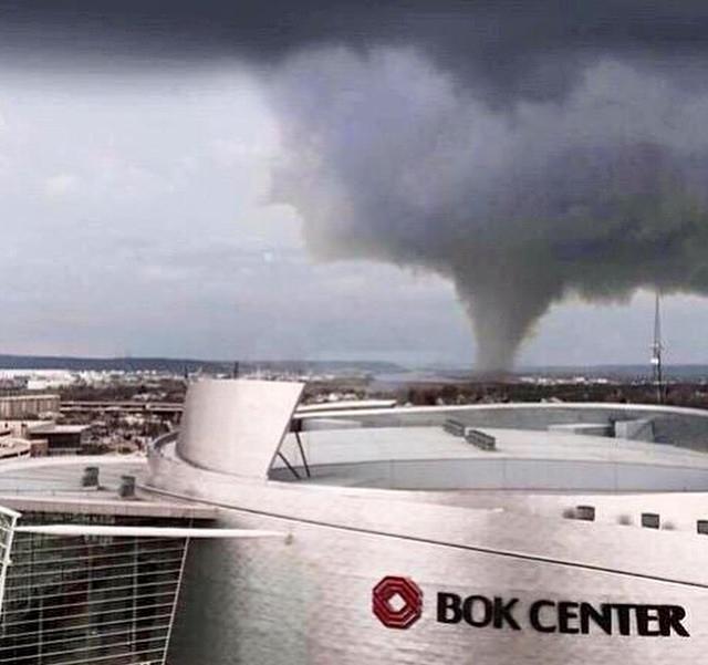 Tulsa OK tornado 032515 via Gloria Bell_Facebook