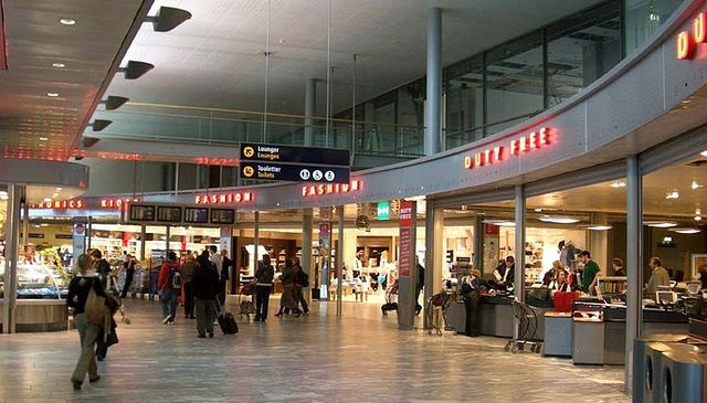 Duty Free shop at Oslo Airport_Wikimedia Commons