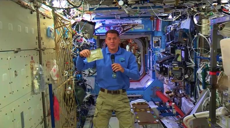 Commander Shane Kimbrough Thanksgiving dinner 2016 on International Space Station_NASA