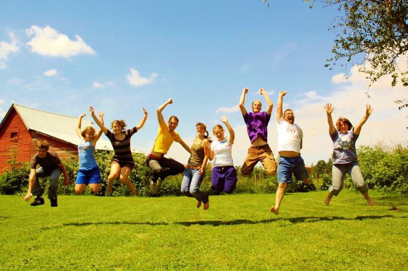 Family jumping_Emergency Brake via Flickr CC