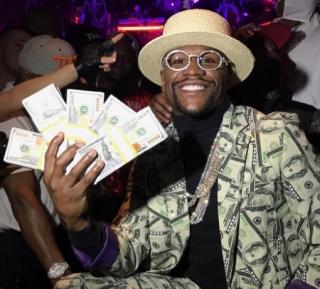 Floyd-Mayweather-Money-Man-Halloween-costume-October-2016_Instragram