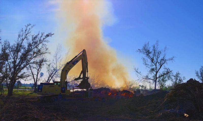 Burning_debris_Marathon-Key-Florida_FEMA_103017_FL4337-3439_medium