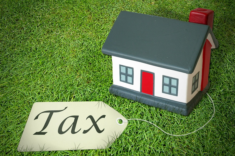 Property-Tax-house-tax-price-tag