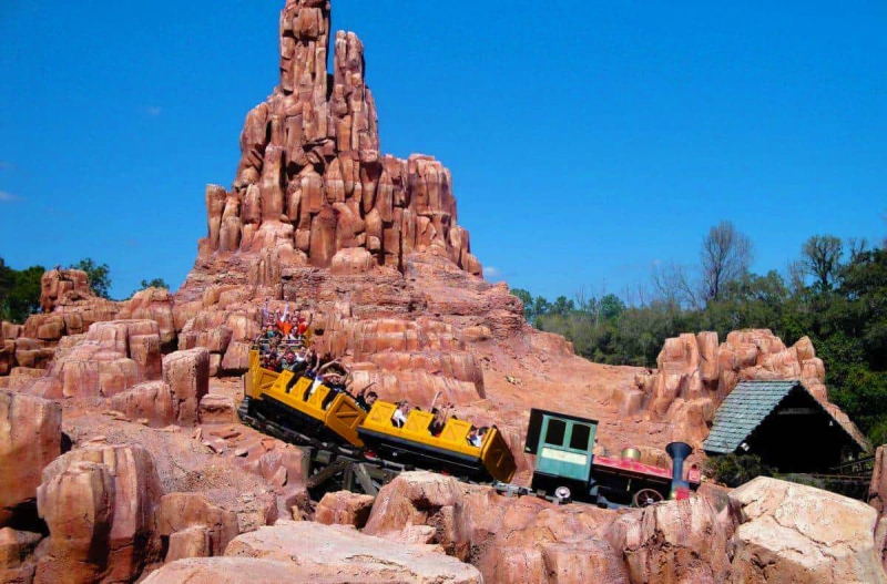 Big_Thunder_Mountain_Railroad_WDWNT_831942