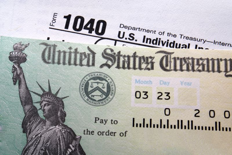 Tax refund 1040 IRS check