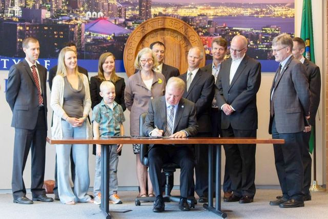 Seattle gun and ammunition laws signed by Mayor Ed Murray