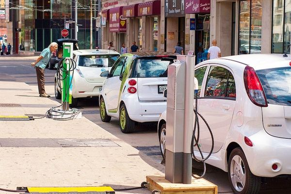 Electric vehicle tax credits favor the wealthy - Don't Mess With Taxes