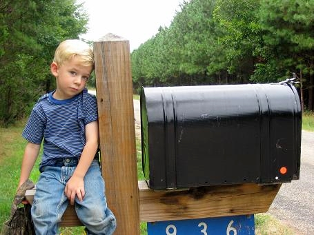 Waiting at the mailbox_Vintage Inspirations