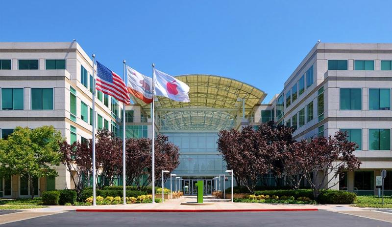 Apple_Headquarters_in_Cupertino_California_Joe-Ravi_Wikimedia_CC-BY-SA-3pt0