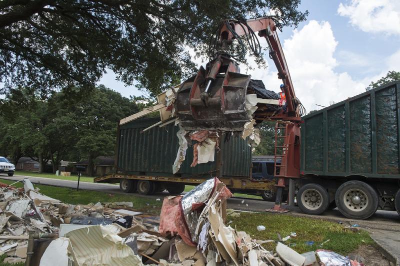 Flood clean-up in Zachary Louisiana August 24 2016-photo courtesy FEMA