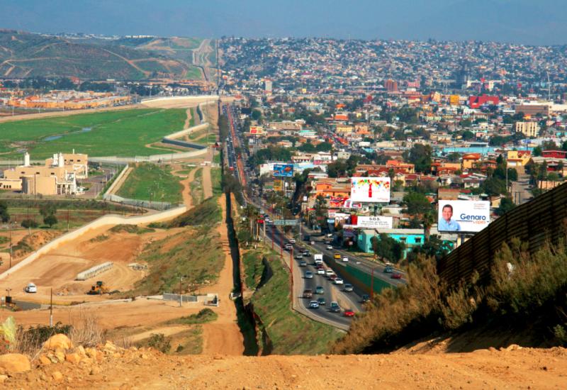 Border_Mexico_San-Diego-Tijuana_Gordon-Hyde_Wikipedia