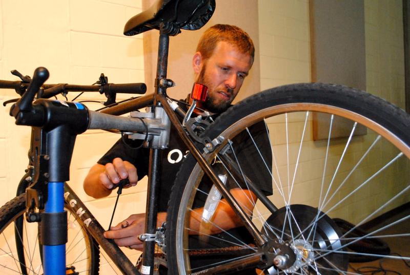 Bicycle repair via Jax REcycle_Flickr
