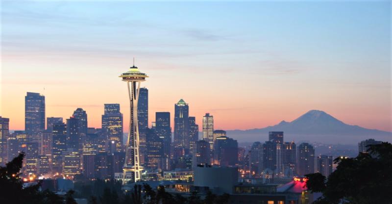 Downtown Seattle Washington_Space Needle_Mount Rainier_Rattlhed via Wikimedia Commons